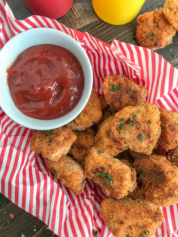 Baked Crispy Spicy Chicken Nuggets - a simple & healthier baked version of the fast food spicy chicken nuggets we all know and love! #bakednuggets #chickennuggets #spicynuggets #healthy | https://withpeanutbutterontop.com