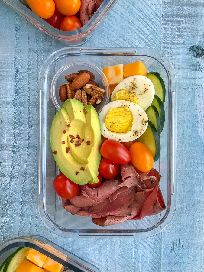 DIY Deli Style Protein Box - healthy meals that you can make ahead of time and have on hand for grab-n-go! Healthy and perfect for lunch or as a post-workout snack. High-protein, low-fat, veto-approved! #mealprep #protein #proteinbox #keto #healthysnacks   https://withpeanutbutterontop.com